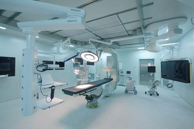 Bệnh viện tư nhân trang bị phòng mổ Hybrid cùng nhiều thiết bị hiện đại, đáp ứng các yêu cầu cao trong phẫu thuật. (Ảnh: CTV)