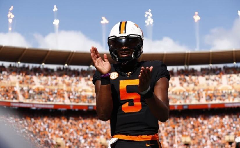 Tennessee use big first quarter to down South Carolina, 45-20
