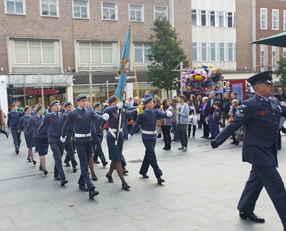 exeter-youth-remembers-parade-2016