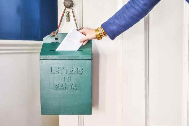 Diy Santa Mailbox At Charlotte S House