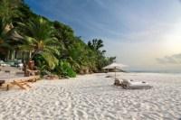 Beach%2Bin%2Bfront%2Bof%2BVilla%2BNorth%2BIsland_Wilderness%2BSafaris_Andrew%2BHoward.jpg