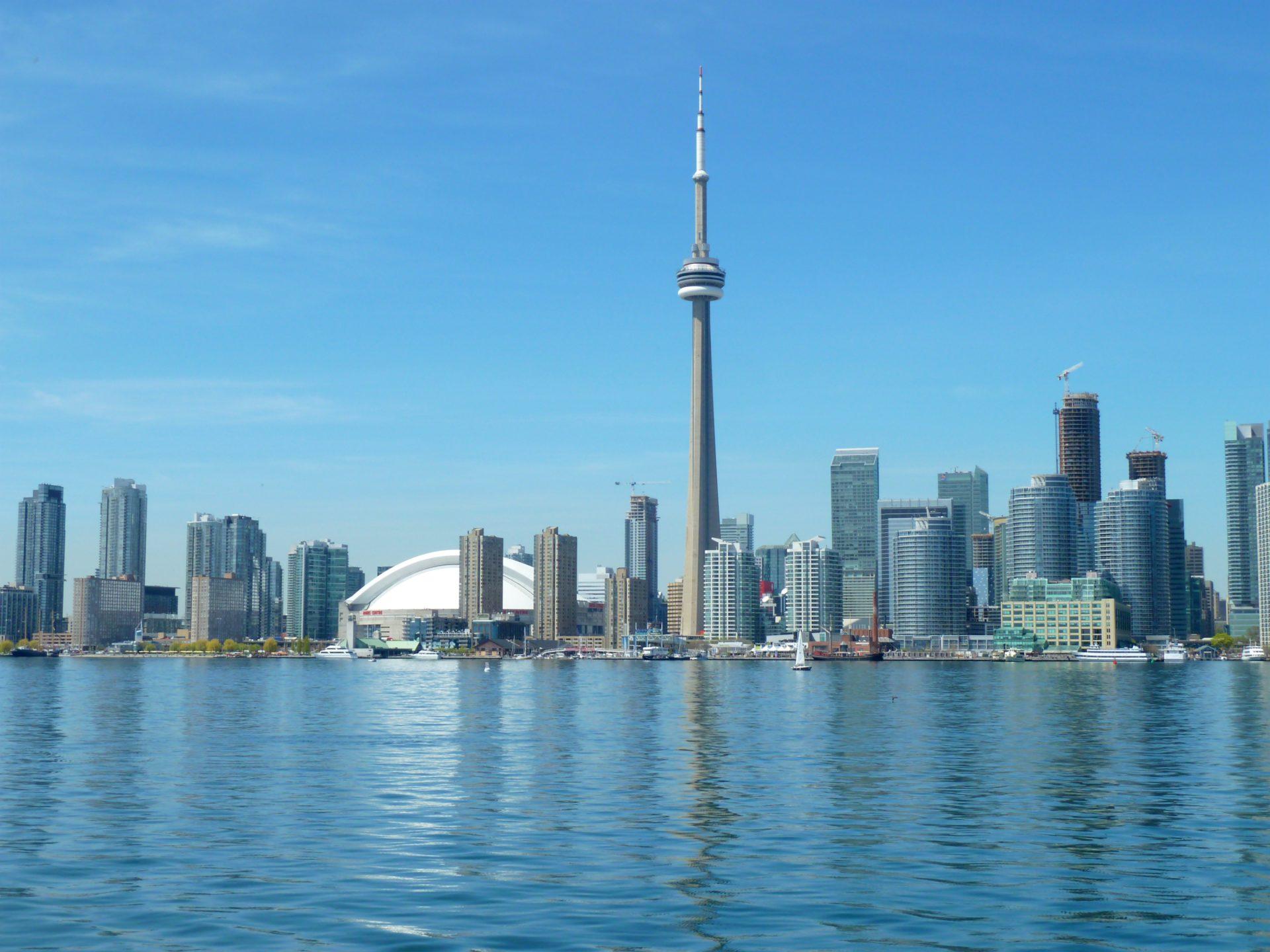 Panorama Toronto z jeziora Ontario
