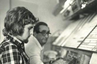 Tomás Vidriales en el Centro de Control de Canarias en 1975