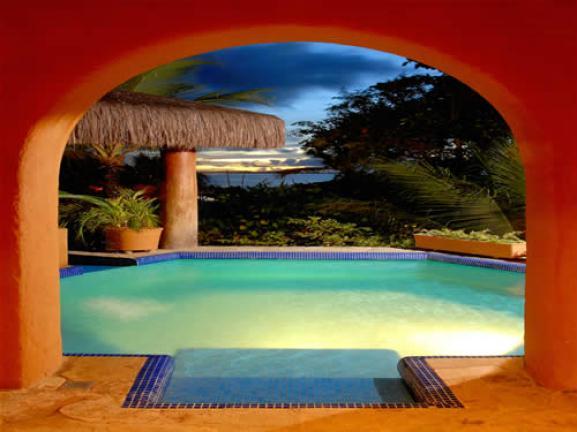 Cada quarto tem sua piscina com hidro!Chique hein?