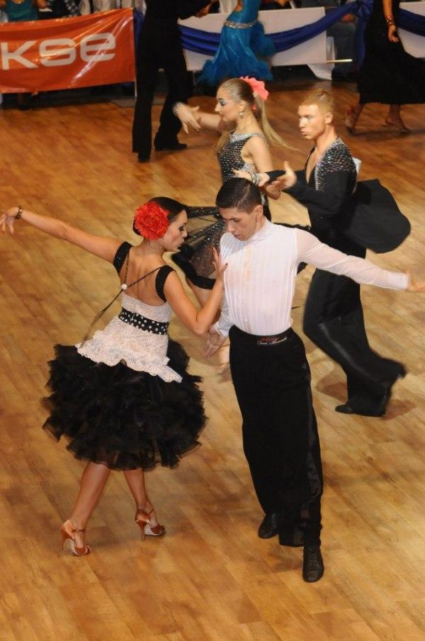 Мужской танцевальный костюм