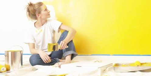 casa-mulher-pintando-parede1382