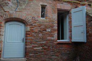 porte-exterieure-bois-sur mesure- porte d'entrée