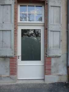 portes - d'entrée-vitrée-bois-contemporaine