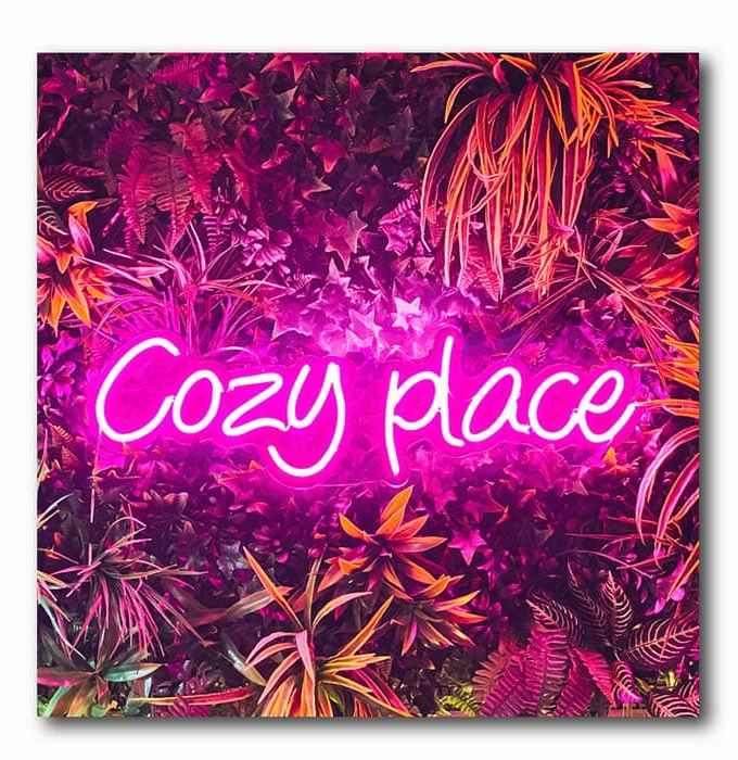 Cozy Place Neon Bild auf Holz