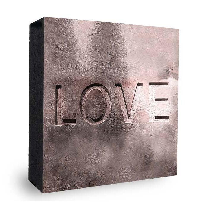 Love Steinwand