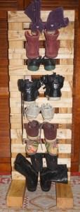 Range chaussures Sur mesure, pratique, écologique et économique. Origine: Palette