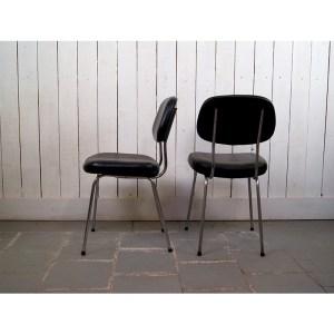 chaises-noires-skai-2