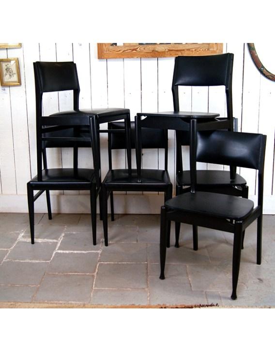 6-chaises-noires-3