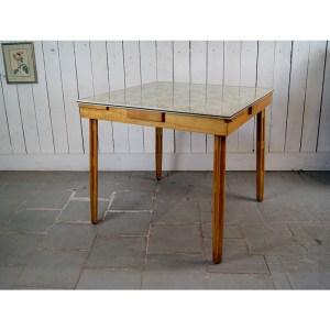 table-fleur-formica-3