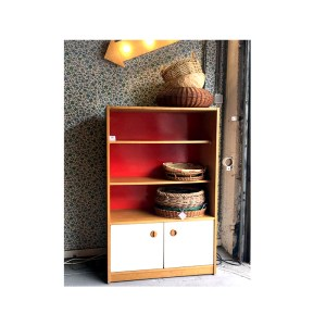 Etagere-fond-rouge-2
