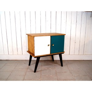 meuble-porte-vert-et-blc-1