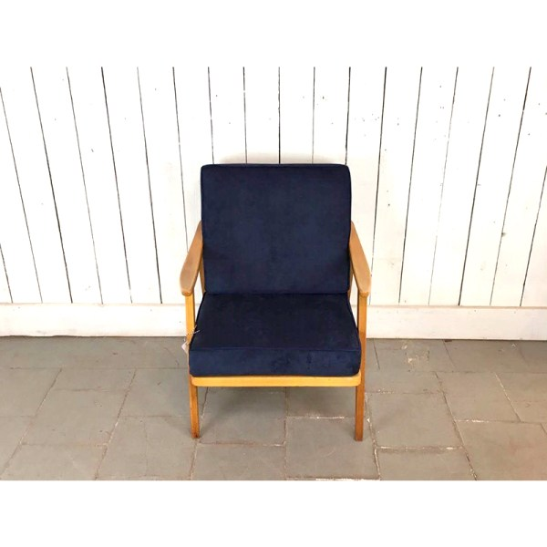 fauteuil-velour-bois-clair-bleu-3