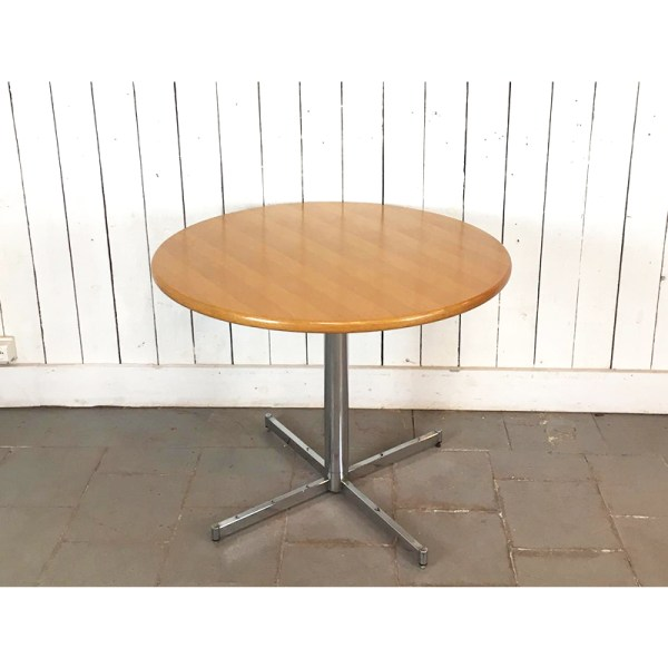 table-ronde-pied-metal-1