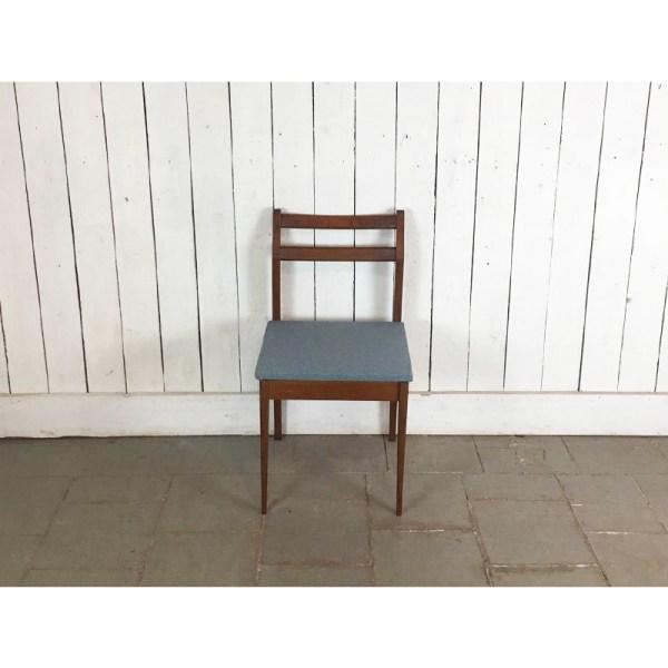 chaise-assise-tissu-bleuté-2