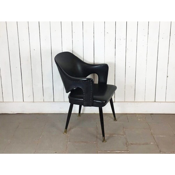chaise-cuir-noire-1