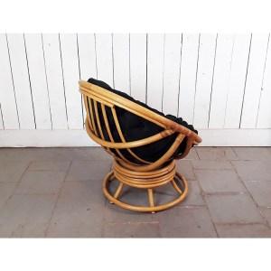 fauteuil-tournant-rotin-coussin-noir-2