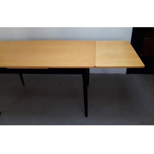 table-rallonges-blond-pied-noir-7