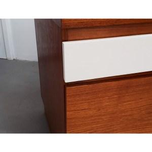 bureau-tiroirs-blancs-2