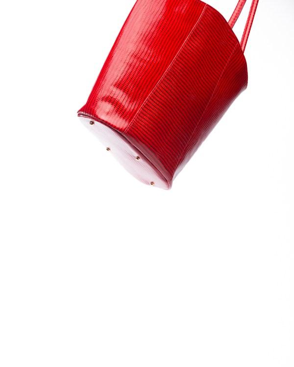 Atelier de Corium - Midi tote in Red Lizard Print bottom