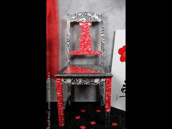 chaise-rouge-noir-loft-moderne-style-4