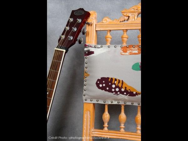 chaise-style-pop-orange-bois-artiste-4