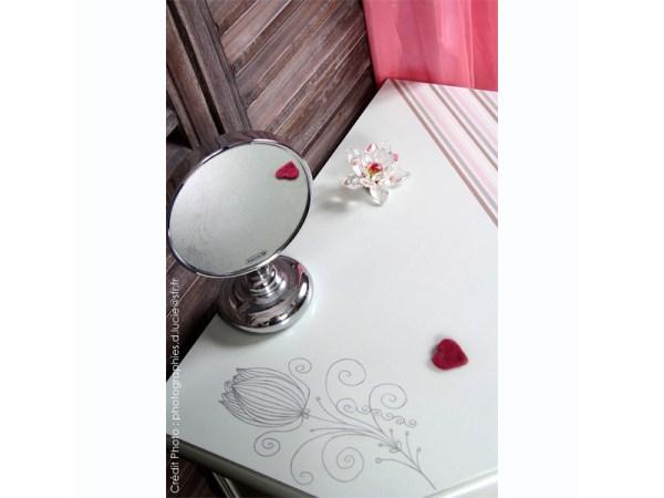 meuble-chevet-couleur-pastel-chambre-peint-main-4