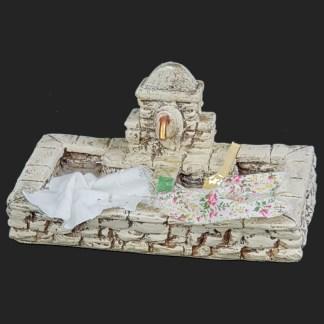 décors de crèche – Santons – lavoir en pierre 2 – Aubagne.jpg