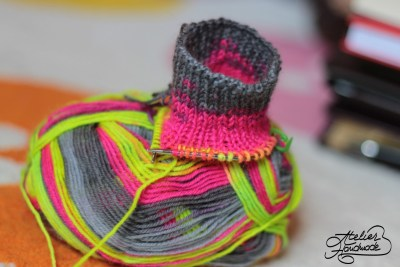 how-to-knit-socks-circular