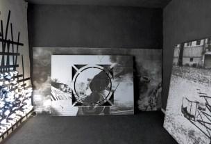 Karolina Kazmierska / Sans titre / tirage jet d'encre sur feuilles A4 collées sur mur, placo plâtre découpé, tirage jet d'encre sur feuilles A4 / 2014