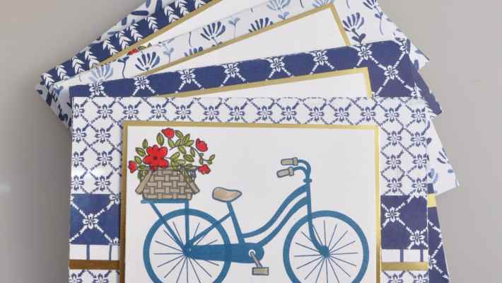 Carte cadeau Bike ride et Framelits vélo à assembler et son tutoriel par Marie Meyer Stampin up - http://ateliers-scrapbooking.fr/ - Magic card - Bike Ride Stamp - Framelits Build a Bike - Magie Karte - Bike Ride Stempel - Framelits Fahrrad