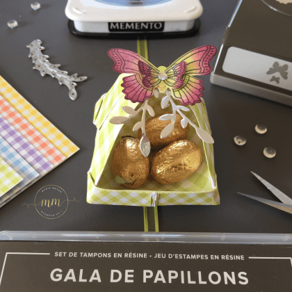 Paniers printaniers Gala de papillons - Boîtes à gourmandises, Origami, Paniers, Papier Design Vichy Somptueux, Pâques, Perforatrice Papillons en duo, Set de tampons Gala de papillons, Stampin up, Version scrap Paris par Marie Meyer Stampin'up - http://ateliers-scrapbooking.fr