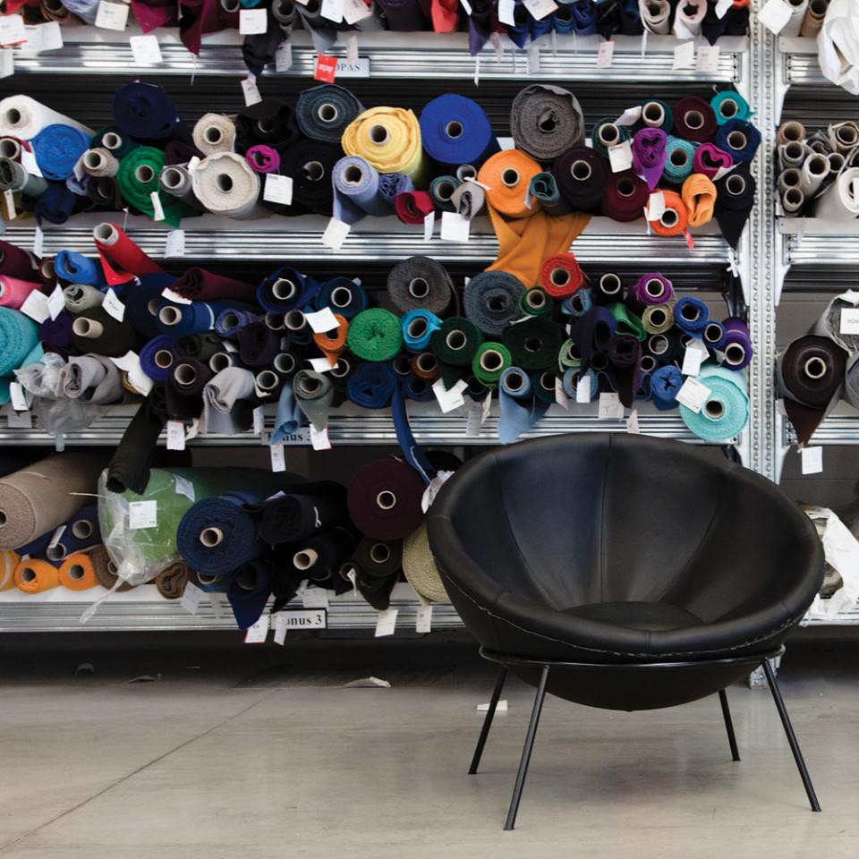 arper-lina-bo-bardi-bowl-chair-007