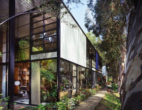 eames-house-outside-large