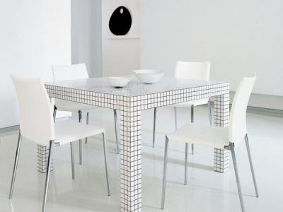 Superstudio's Quaderna 2600 dining table