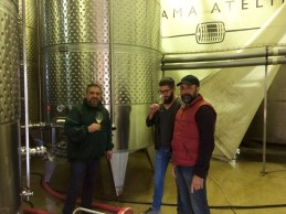 Razvan Macici, Daniel Negrescu, marketing manager Murfatlar Romania, si Dan Bundur, manager general M1.Crama Atelier