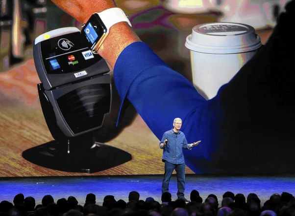 Apple smartwatch can be used to make purchases.