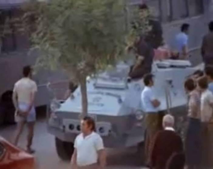 """Όχημα (""""αύρα"""") των δυνάμεων καταστολής σε πλήρη ετοιμότητα"""