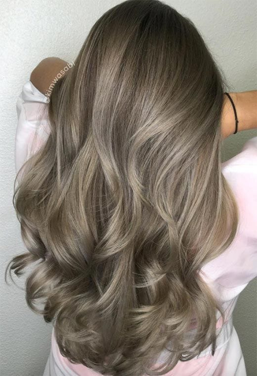 Loiro escuro acinzentado: saiba como conquistar a cor de cabelo