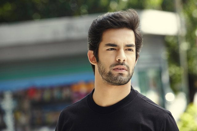 how to blow dry men's hair for volume: 2 looks to try