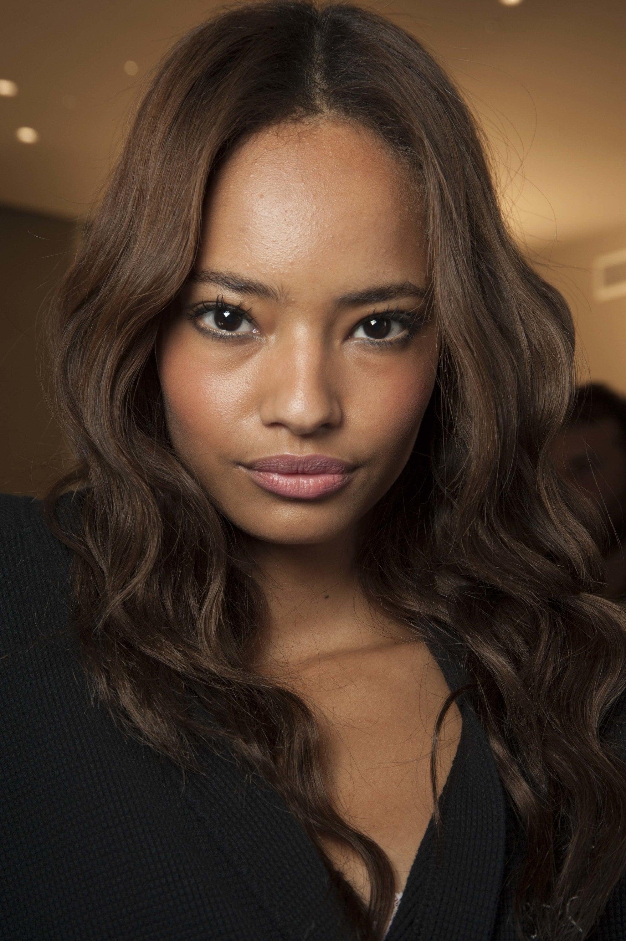 15 Best Hair Colors For Morena Skin In