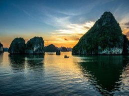 Halong Bay – Bai Tu Long bay, a work of nature