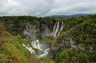 first waterfall - plitvice hdr