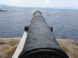 Cannon_at_Hydra