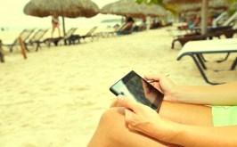 beach-tablet