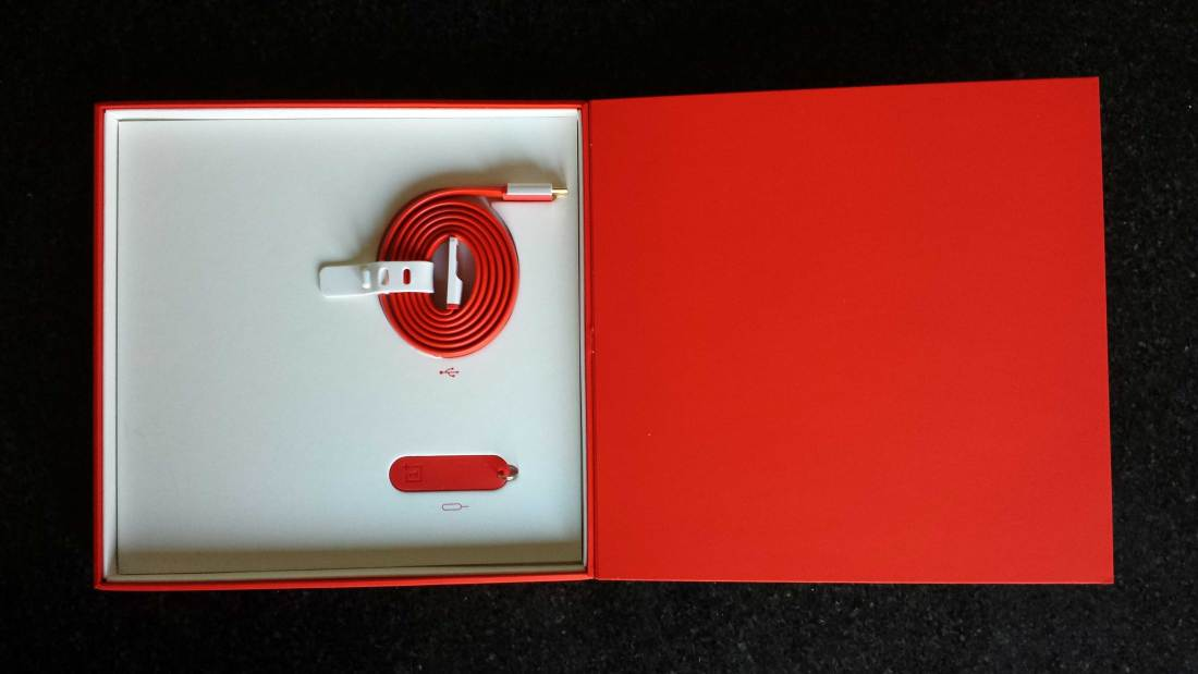OnePlus One Cable and SIM Tool